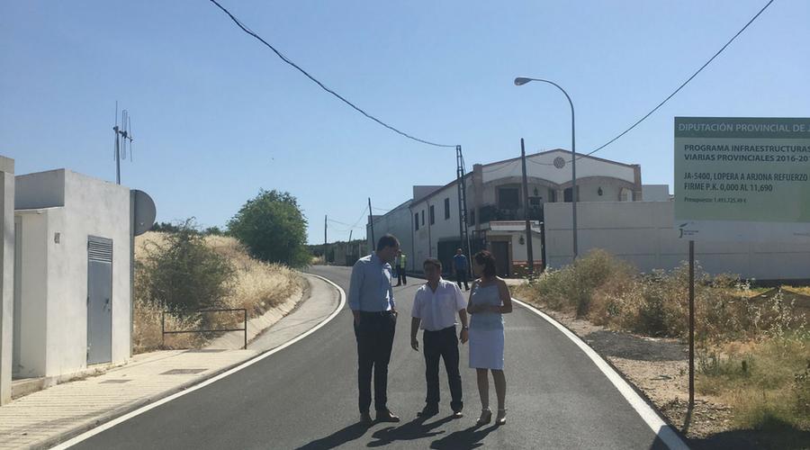 Diputación invierte cerca de un millón de euros en la adecuación integral de la carretera entre Lopera y Arjona